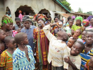 The Water Project : 30-sierraleone5100-handing-over