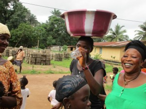 The Water Project : 31-sierraleone5082-handing-over