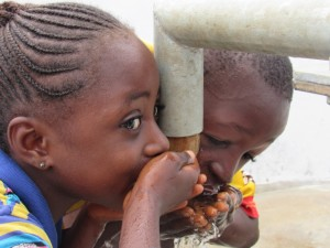 The Water Project : 33-sierraleone5100-handing-over
