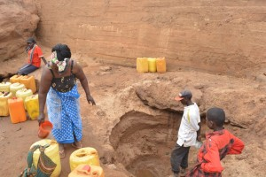 The Water Project : 9-kenya4499-scoop-hole