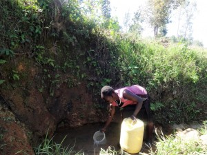 The Water Project : 1-kenya4588-elande-spring