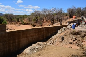 The Water Project : 14-kenya4472-construction