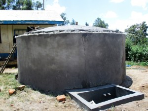 The Water Project : 16-kenya4618-construction