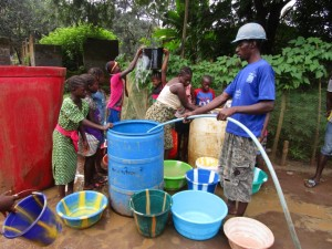 The Water Project : 25-sierraleone5091-construction