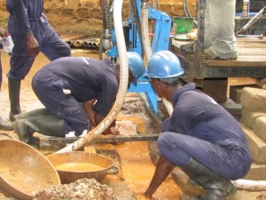 The Water Project : 26-sierraleone5091-construction