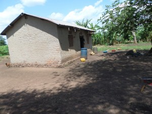The Water Project : 3-uganda6066-household
