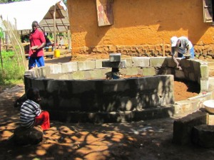 The Water Project : 33-sierraleone5091-construction