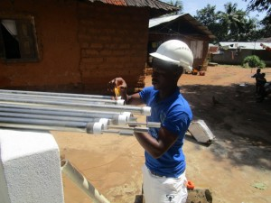 The Water Project : 36-sierraleone5091-pump-installation