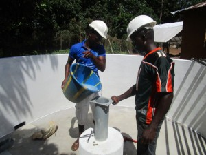 The Water Project : 38-sierraleone5091-pump-installation