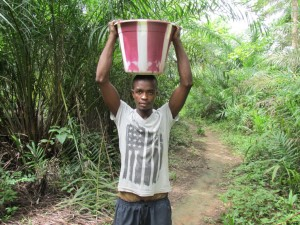 The Water Project : 4-sierraleone5094-carrying-water