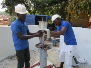 The Water Project : 44-sierraleone5091-pump-installation