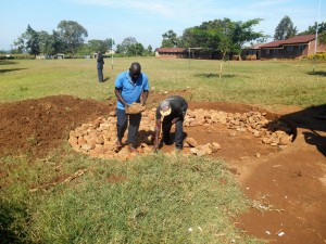 The Water Project : 9-kenya4618-construction