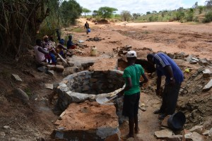 The Water Project : 12-kenya4497-construction