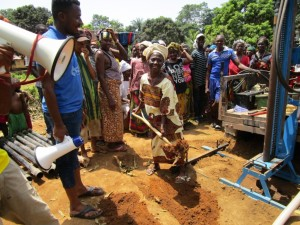 The Water Project : 13-sierraleone5090-breaking-ground