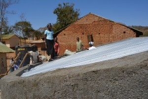 The Water Project : 14-kenya4504-construction