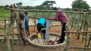 The Water Project : 15-uganda6068-fetching-water