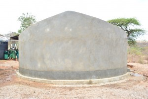 The Water Project : 20-kenya4504-finished-tank