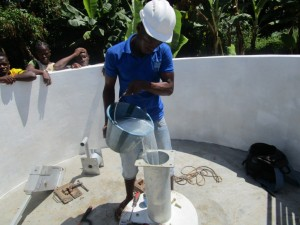 The Water Project : 21-sierraleone5090-pump-installation