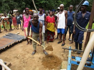 The Water Project : 22-sierraleone5092-breaking-ground