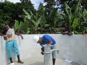 The Water Project : 24-sierraleone5090-pump-installation