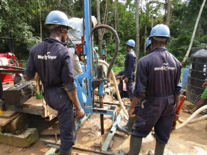 The Water Project : 27-sierraleone5092-drilling