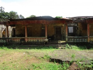 The Water Project : 3-sierraleone5095-abandoned-house