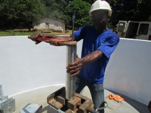 The Water Project : 31-sierraleone5092-pump-installation