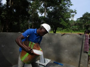 The Water Project : 36-sierraleone5093-pump-installation