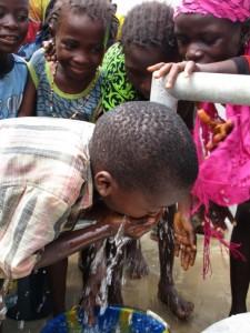 The Water Project : 38-sierraleone5090-dedication