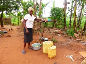 The Water Project : 4-uganda6073-household