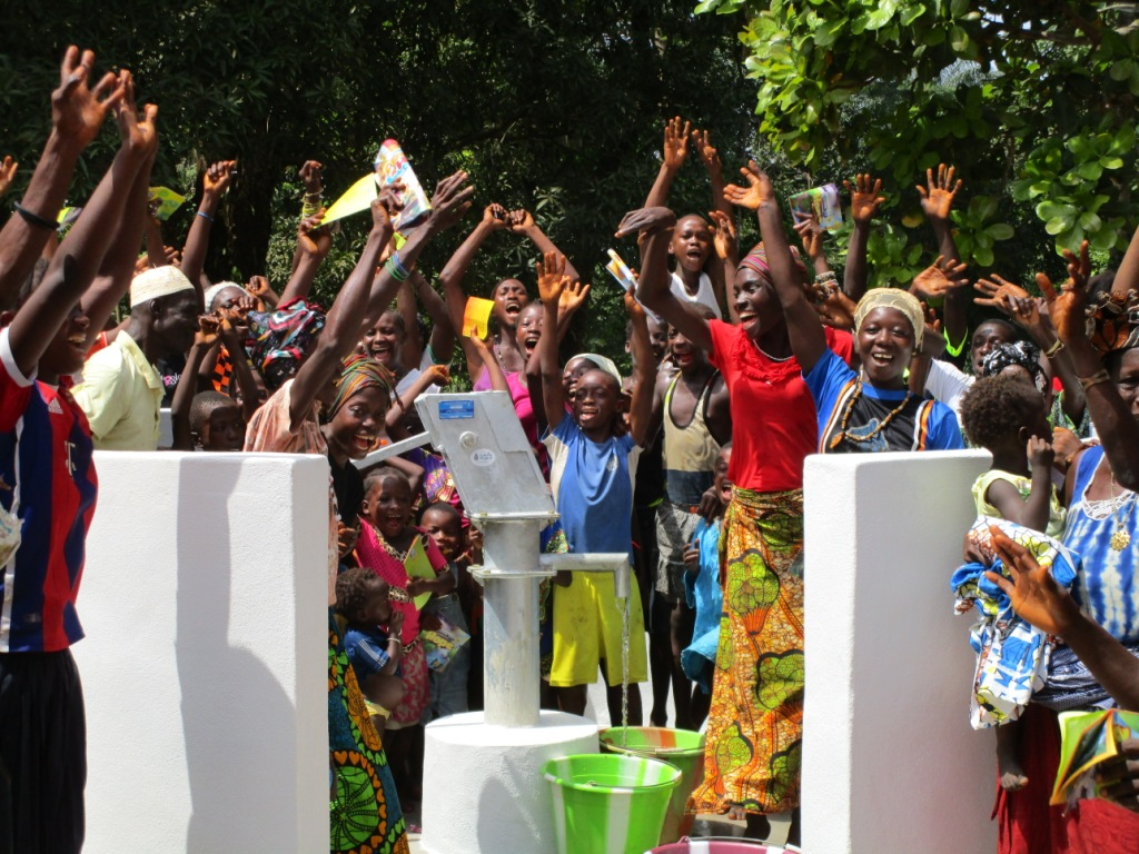 The Water Project : 48-sierraleone5094-dedication