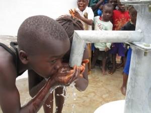 The Water Project : 54-sierraleone5092-dedication