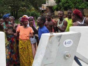The Water Project : 56-sierraleone5092-dedication