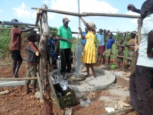 The Water Project : 6-uganda6067-construction