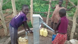 The Water Project : 9-uganda6066-finished-well