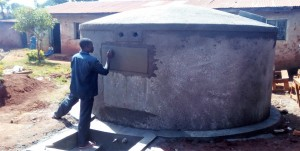 The Water Project : 13-kenya4626-tank-construction