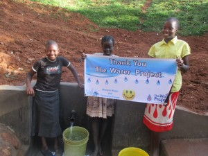 The Water Project : 17-kenya4591-protected-spring