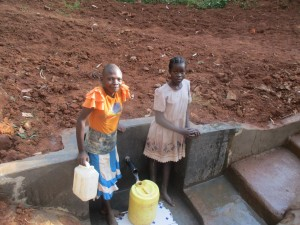 The Water Project : 18-kenya4591-protected-spring