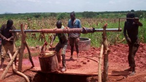 The Water Project : 2-uganda6073-construction