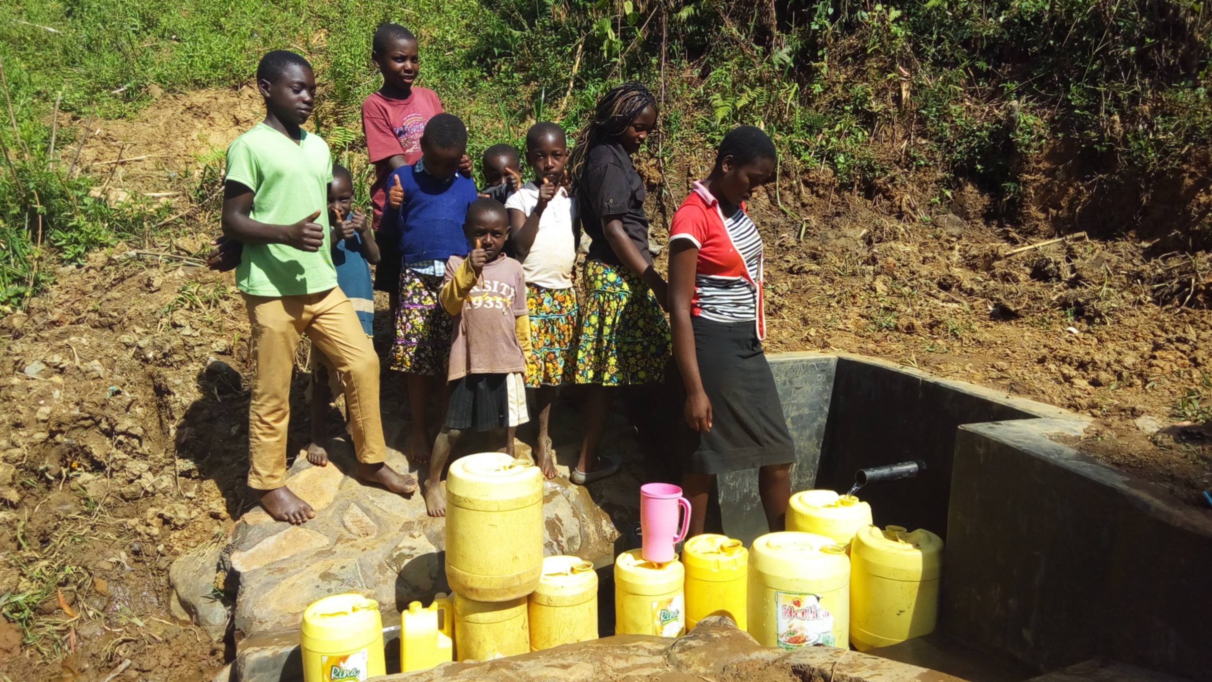 The Water Project : 20-kenya4590-protected-spring