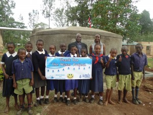 The Water Project : 20-kenya4629-finished-tank