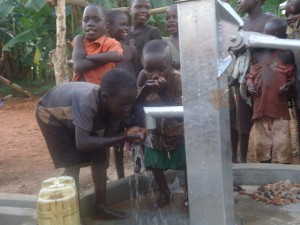 The Water Project : 21-uganda6070-water-flowing