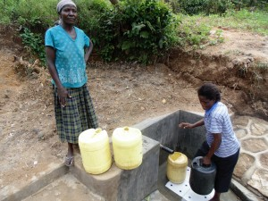 The Water Project : 22-kenya4588-protected-spring