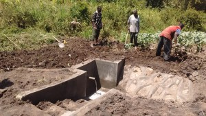 The Water Project : 26-kenya4589-construction-2