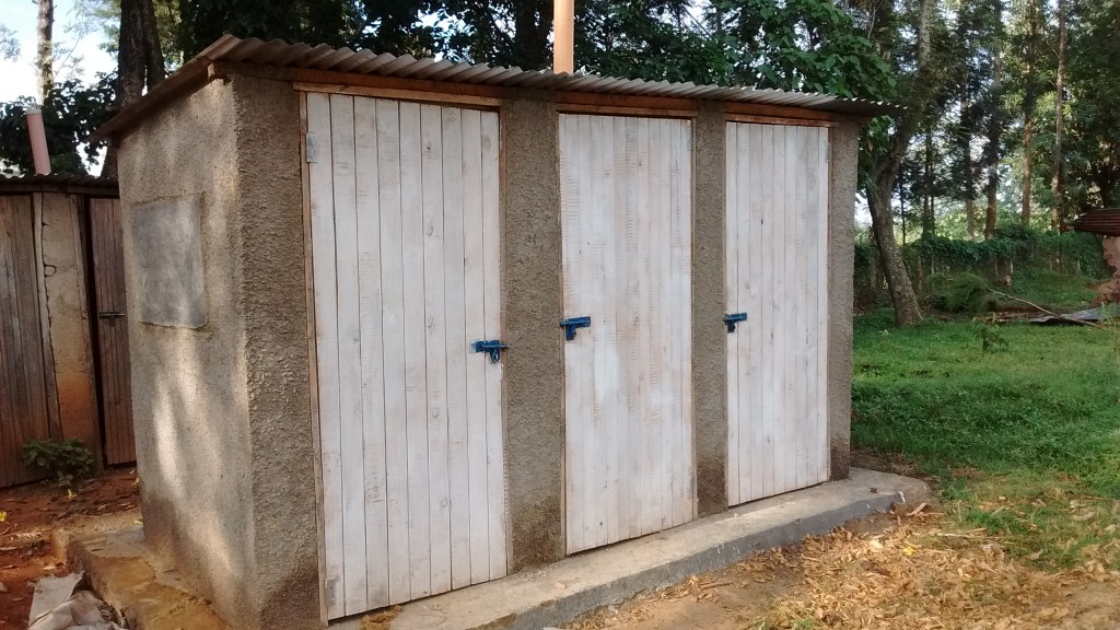 27 kenya4629 finished latrines