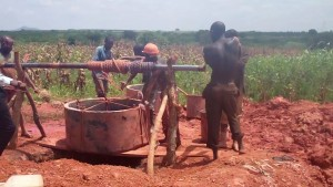 The Water Project : 4-uganda6073-construction
