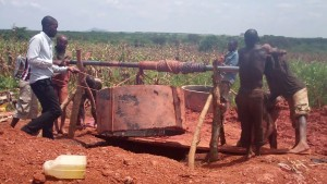 The Water Project : 5-uganda6073-construction