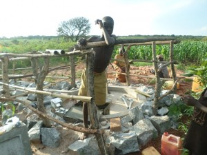 The Water Project : 7-uganda6073-building-fence