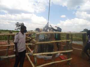 The Water Project : 7-uganda6075-installation