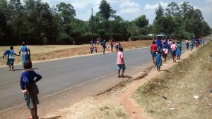The Water Project : 10-kenya4648-busy-road